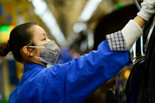 130c962cafccbeb949305c6797a220f7 520x347 - Китайский вирус наносит удар по местному автопрому