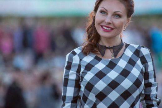 1cf2d51d3562fd4d61676ca731b39ebf 520x347 - Наталья Бочкарева теперь живет с возлюбленным