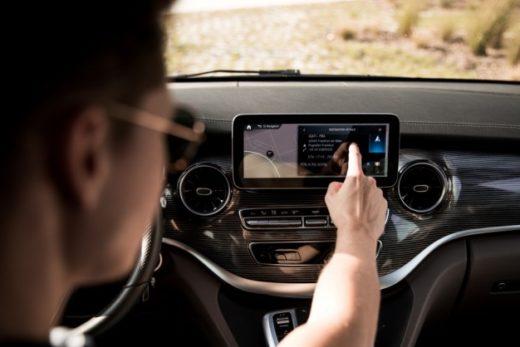 6357a824396b7bdf41f8e80f31b68898 520x347 - Mercedes-Benz V-Класса получит мультимедийную систему MBUX