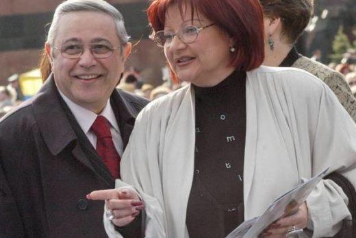 63e4cb4010cb99c54180a37f3338a9ec 520x347 - Адвокат Степаненко подтвердила, что у Петросяна  роман с молодой ассистенткой