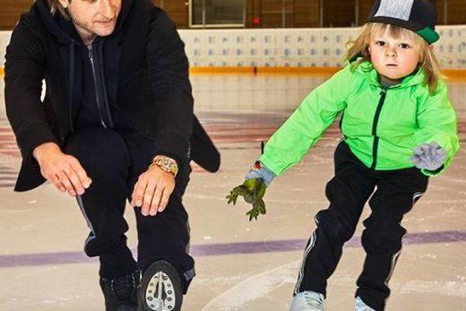 8856ef40eb336bcd1a1ba8719eecf04f 520x347 - Сын Евгения Плющенко упал на льду, и травмировался