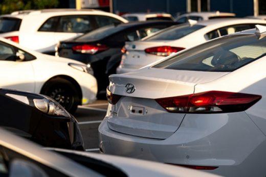 b84e05b01a3086af3a2a7526fb9a824a 520x347 - Минпромторг не ожидает роста цен на автомобили из-за этикетки энергоэффективности