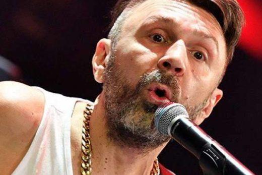 d95636bb392eda8392fa997f7dcaba87 520x347 - Сергей Шнуров показал подписчикам свое избитое лицо