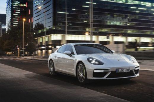13c9e3f992fbcf142c8d670c6b5187d4 520x347 - Porsche объявил российские цены на самую мощную Panamera