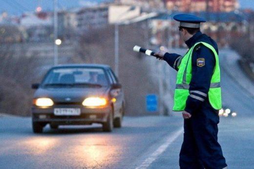 1e10de56b5d322c06cda8378c88238c9 520x347 - В России действуют новые нормы поведения сотрудников ГИБДД на дороге