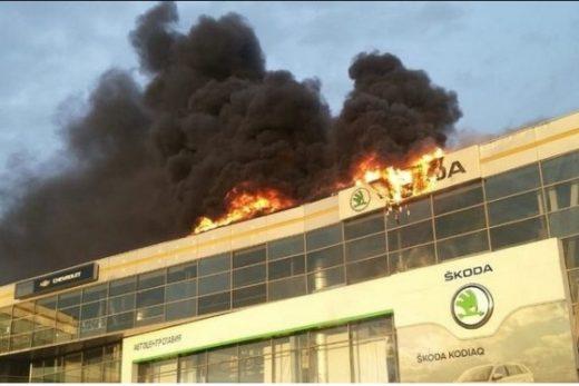 24b5f685ab99481f7199b1946191c627 520x347 - Пострадавшие от огня в Кемерово автосалоны Skoda и Hyundai продолжат работу