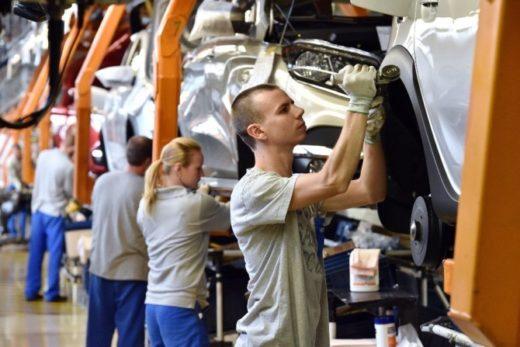 299a9f70674cf94d673c9a2d8f6c04ec 520x347 - АВТОВАЗ вложит более 3 млрд рублей в улучшение условий труда