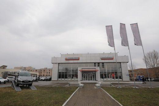 2ad472a0c40748ba12a2bfc664a85345 520x347 - Mitsubishi открыла новый дилерский центр в Оренбурге