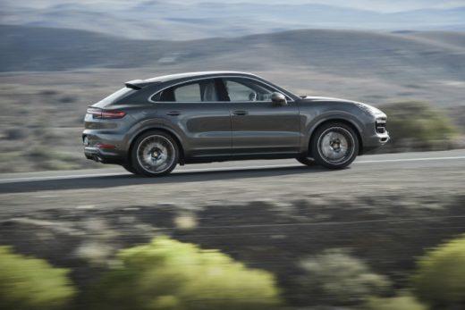 3886981c6b97d0cb8364b11faf22765f 520x347 - Новый купе-кроссовер Porsche Cayenne Coupe появился у российских дилеров