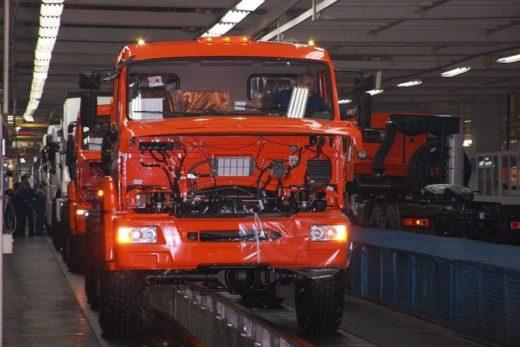 407e562290d3b4275d9ce7361233d446 520x347 - Производство грузовиков в марте выросло на 2%