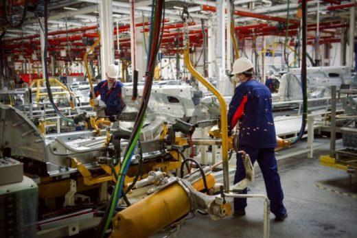 4ca0979df1ff3813545fef20a31aff57 520x347 - Калужский завод «ПСМА Рус» переходит на четырехдневный режим работы