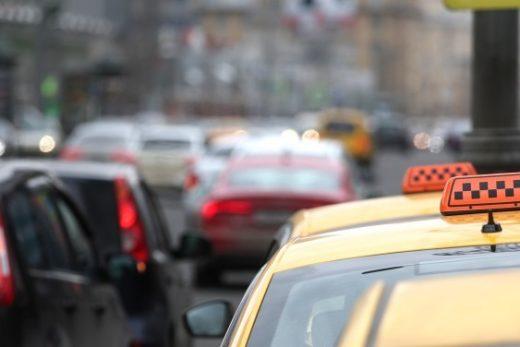 4d24c17800962c9a238210c118f0c9cb 520x347 - Депутаты продолжат наводить порядок в таксомоторном бизнесе