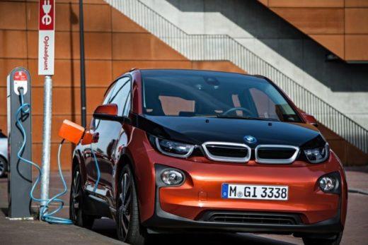 55ab0570c9ff6a21624cb57c1fb472a4 520x347 - BMW планирует продать более 100 тысяч электромобилей в этом году