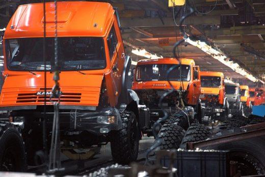 577437414cb11d471a583dc679c49598 520x347 - КАМАЗ приостановил производство на время корпоративного отпуска