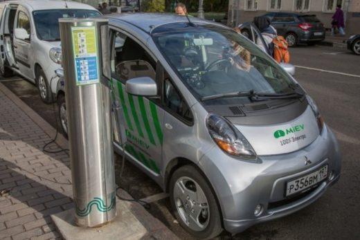 5881d280de27bdd323c098a567ddcff5 520x347 - В Москве электромобилям могут выделить отдельные парковки