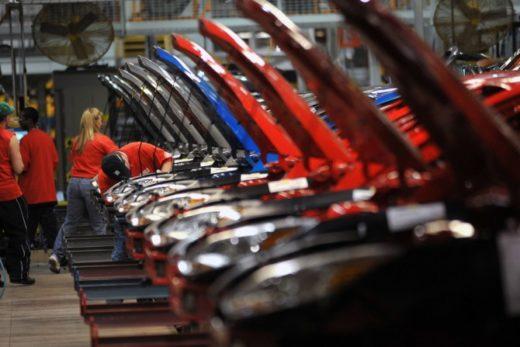 5f6b9b93ddf3b923480ddda2b3aef6dc 520x347 - Китай стимулирует работу иностранных автопроизводителей в стране