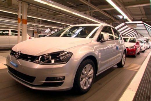 60c37339581e57085d924cb16f2b192b 520x347 - Volkswagen сократил производство на шести заводах из-за конфликта с поставщиками