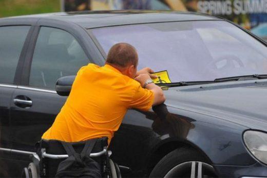 62e853fa0de592d03a43c2645649d901 520x347 - Знак «Инвалид» для автомобилей убирают из свободной продажи