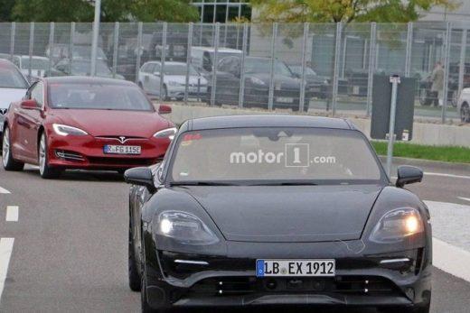 65752475ca943ad2c2a279ccf6536c12 520x347 - Изображения нового электромобиля Porsche Mission E попали в сеть задолго до презентации