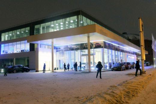 67808f3b5ec53da969664814de7f8086 520x347 - BMW открыл новый дилерский центр в Санкт-Петербурге