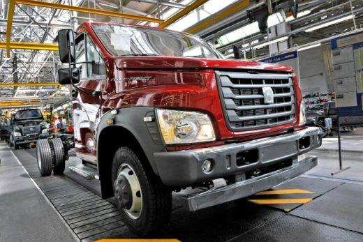 696debc0d59917e4bda1ccac3bc80256 520x347 - ГАЗ за 85 лет выпустил более 18 млн грузовых и легковых автомобилей