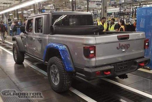 6e7b0fc620ba2715c7b8d130f2d82022 520x347 - Jeep начал производство пикапа Gladiator