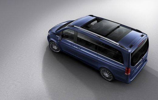 74894337680e4813678b0a8a73339a3c 520x329 - Mercedes-Benz объявил цены на самый дорогой минивэн