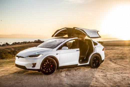 77a309fd378c701dfda48a104dcdbc57 520x347 - Tesla поднимет цены на 3% ради сохранения шоу-румов