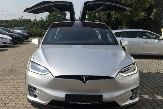 77af2095fb788857127262f4750d686b 520x347 - В 2017 году продажи электрокаров Tesla в России выросли на 59%