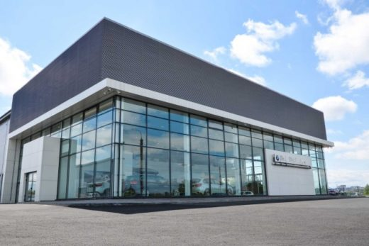 79421d61df3a6951972c3a4e44e4e9e0 520x347 - BMW открыл новый дилерский центр в Магнитогорске