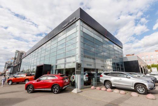8536964ee474b04b89ec084a05a742aa 520x347 - Mitsubishi открыла в Санкт-Петербурге первый дилерский центр в новом дизайне