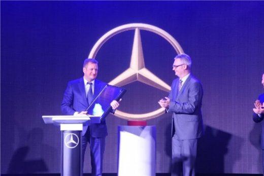 896d884b424754dba3b7194149fa4313 520x347 - Mercedes-Benz открыл новый дилерский центр в Рязани