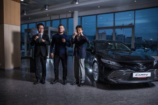8b764bd0e50be1931e00a31c94e86aed 520x347 - Toyota объявила о партнерстве с Хабибом Нурмагомедовым