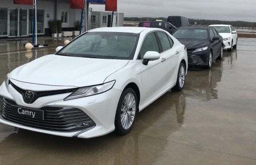 8e2625dd3f8f72e1d4e2bc743100e851 520x335 - Стали известны подробности о новой Toyota Camry для России
