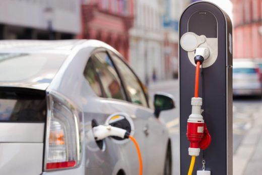 9152b1a42d1f40ea380299bbcab5ce47 520x347 - Автопроизводители оценили перспективы электромобилей в России