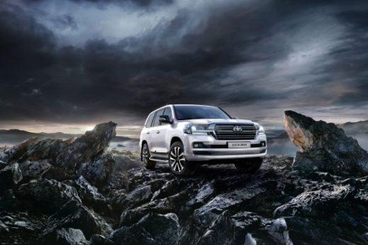 99f6c47bd1928947297bfe5e0e0e42d7 520x347 - Toyota Land Cruiser 200 получил новую топ-версию в России