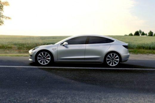 9cfc8fc2701c1cdfdaf8e46ec15c89fd 520x347 - Tesla представила массовый электромобиль Model 3