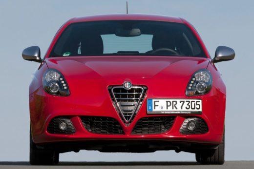 9fb24d765d6b8e1affd3526b3bd1ed8d 520x347 - Alfa Romeo приостановила поставки в Россию