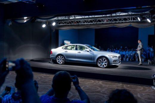 a284a199e7c9d275ce9520fab335f5d0 520x347 - Volvo представила в Москве флагманский седан Volvo S90