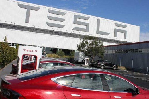 a6b10894ca1fa8d3db5d9b19d0a500d7 520x347 - В 2017 году Tesla представит грузовик и автобус