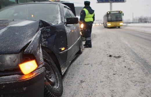 ade21968b79465825ad557fb596010da 520x336 - В России хотят ужесточить ответственность для водителей, скрывшихся с места ДТП