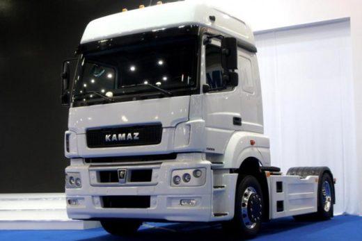 ae4bde2b56eba11902d4eb840b535324 520x347 - КАМАЗ поставил в лизинг партию тягачей для московской компании