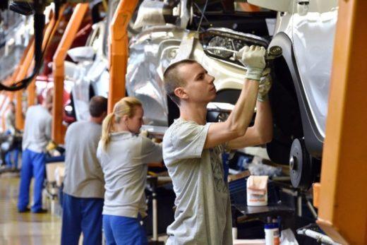 affa4ded01f361128c3a64f0d40df749 520x347 - Минпромторг ожидает небольшой рост производства автомобилей в 2019 году