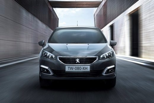b02e1e8a2682f3e42d74b6086c65d2af 520x347 - Peugeot представила новое поколение седана Peugeot 408
