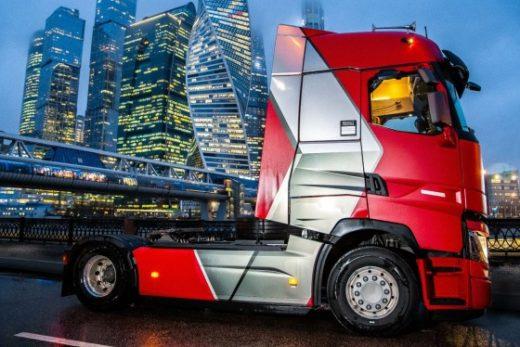 b1717f5b86be0f3d02fd567e23cdbd2a 520x347 - Renault представила в России новую лимитированную серию седельных тягачей