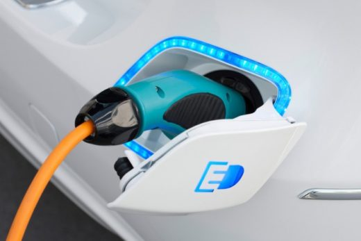 b8085a6940dfcde5b0960b91a5b0c150 520x347 - Электромобили представляют угрозу для нефтяной отрасли