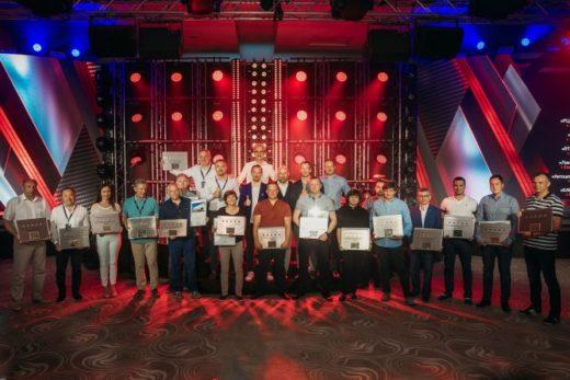 e4a00a7bf552887ce12553d0949a1350 520x347 - Renault наградила лучших дилеров в России