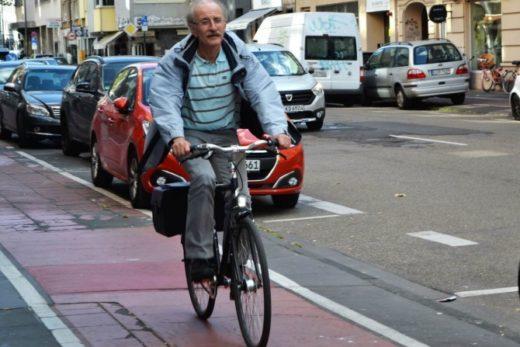 ea1ad581f26fae8ffe3de0843469d916 520x347 - В Германии велосипеды начинают успешно конкурировать с автомобилями