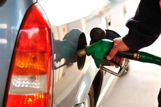 efa1abff4f43eaa80810e6e116449967 520x347 - В 2017 году россияне потратили на топливо 3,15 трлн рублей