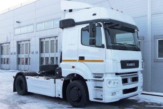 f5bd0cc1d3c0a64840858d0d8ff90c89 520x347 - КАМАЗ модернизировал свой флагманский тягач